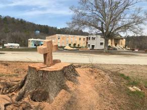cross-on-stump